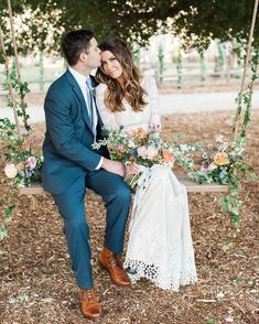 boho rustic swing covered in pastel florals ---- I love this because this swing will he at my wedding Professional Wedding Photography, Wedding Photography Poses, Wedding Poses, Wedding Portraits, Wedding Ideas, Wedding Photoshoot, Wedding Details, Stunning Wedding Dresses, Rustic Wedding Dresses