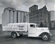 Quaker Corn Flakes Truck | Photograph | Wisconsin Historical Society