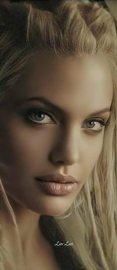 Beautiful Young Lady, Beautiful Models, Beautiful Eyes, Gorgeous Women, Angelina Jolie Quotes, Angelina Jolie 90s, Samantha Pics, Sparkling Eyes, Light Hair