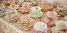 Pretty tea cups... What's your favourite ?