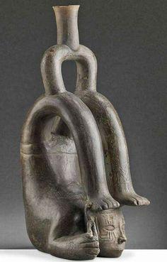Contorsionista de Puémape, vaso cupisnique (1500-750 a.C. aproximadamente) Antiguo Perú