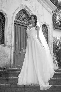 Vestido de noiva boho ( Vestido: Mariana Kuenerz | Foto: Georgeana Godinho )