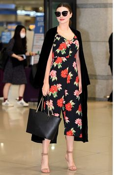 Work Fashion, Fashion Models, Fashion Tips, Miranda Kerr Street Style, Fashion Stylist, Everyday Outfits, Casual Wear, Celebrity Style, Style Inspiration