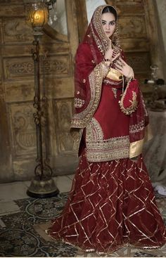 Pakistani Fashion Party Wear, Pakistani Wedding Outfits, Pakistani Bridal Dresses, Pakistani Dress Design, Bridal Outfits, Pakistani Gharara, Indian Fashion, Bridal Lehenga, Ethnic Fashion