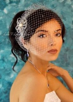 Crystal and Pearl Brooch & IVORY Crystal Bridal Birdcage Veil 27-30624e #LeslieV