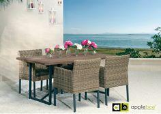 Trendy #tuintafel van het Nederlandse merk #Applebee. De eettafel voor buiten heeft een hoge en luchtige poot. Het zwarte aluminium onderstel bestaat uit een kruispoot in het midden, die de U-poten aan weerszijde van de tafel verbindt. Deze tafel Air heeft een teakhouten blad met een grey wash. De moderne eettafel is geschikt voor op het terras, de veranda of in de tuin. Bekijk de tafel bij van de Pol Meubelen.