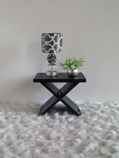 Doll Furniture 1:6 / Playscale Table   1 Side Table For Barbie / Fashion  Royallty/ Monster High/ Blythe
