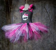 Girls skull with bow ( Hot Pink Black and White Tutu dress - made by Lil punks