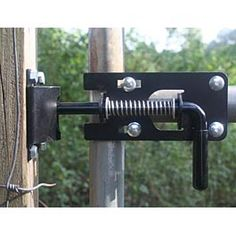 1000 images about driveway gates on pinterest driveway for Driveway gate lock