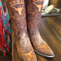 My new UT Longhorn Gameday boots!!!! :))