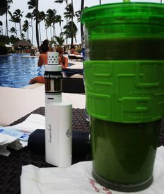 Poolside check from the Dominican! Hola! #beachbum #vapelife #vaping #girlswhovape #girlsvapehard #dominicanlife