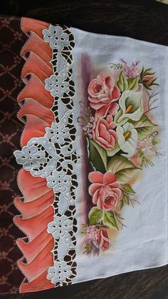Pinteres Cutwork Embroidery, Embroidery Stitches, Embroidery Patterns, Quilt Patterns, Tole Painting, Fabric Painting, Lace Art, Painted Clothes, Painting Patterns
