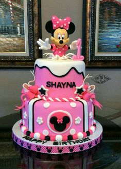 Minnie Mouse cake made using purchased doll dressed in fondant and gum paste. Minni Mouse Cake, Minnie Mouse Birthday Cakes, Birthday Cake Girls, Mickey Birthday, Birthday Tutu, Birthday Ideas, Bolo Mickey, Mickey And Minnie Cake, Mickey Cakes