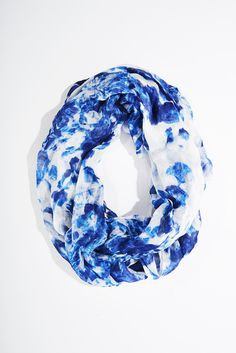 Ideally love this blue patterned scarf by Charming Charlie's! I just love all of their clothes and accessories!