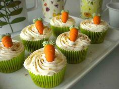 La tarta de zanahoria está buenísima, y si la hacemos en forma de cupcake más todavía. Disfruta cupcake de tarta de zanahoria.