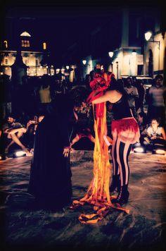 Apresentação do espetáculo Cirque por Julieta   Fotografia: Izabella Valverde   Arco Artístico: Tristão e Isolda   2015 Salvador BA. #viansatã #nucleov