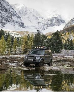 The Mighty #Discovery4 remarkably captured here by @kkeylin Source @discover_russia_again @alloyandgrit #landrover #lr4 #discovery #d4 #landroverphotoalbum #alloyandgrit