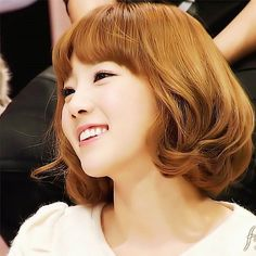 tóc ngắn năm nào  short hair  #taeyeon #kimtaeyeon #taengoo #myboo #taeyeon_ss… Taeyeon Short Hair, Girls Generation, Snsd, Short Hair Styles, Idol, Instagram Posts, Cute, Beauty, People