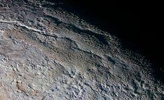 A superfície enrrugada do planeta (Foto: NASA)