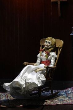 The Conjuring Universe Actionfigur Ultimate Annabelle (Annabelle 15 cm Scary Movie List, Scary Movies, Horror Movies, Christmas Fancy Dress, Halloween Christmas, A Christmas Story, Happy Halloween, Annabelle Doll, Great Saiyaman
