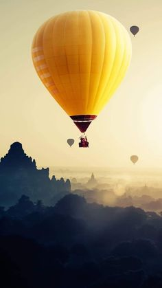 I see people sharing huawei stock photos and getting karma. Some air balloon I think. Just took it from Magazine Unlock gallery. Pretty Pictures, Cool Photos, Murals For Kids, Air Ballon, Walk The Earth, Mellow Yellow, Nature Animals, Places Around The World, Panda