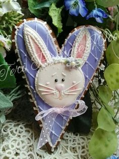 Easter bunny decorated cookies gingerbread
