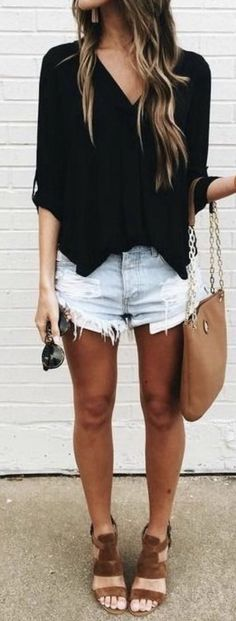 Spring and Summer Outfit trends for 2017. Perfect outfit inspiration for Stitch Fix. Add pin to your Stitch Fix style board. New to Stitch Fix? Click pin and Sign up now! :) #Sponsored