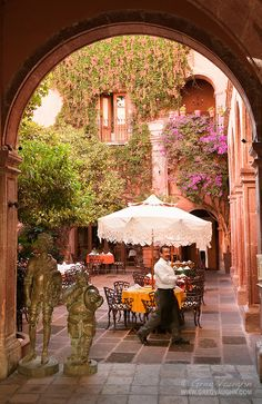 Restaurant La Felguera at Hotel Posada Carmina in San Miguel de Allende, Mexico, no sabia que el restaurant tenía nombre