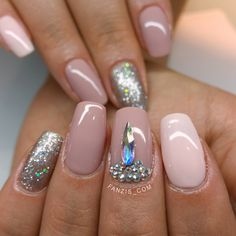nude gelpolish on own natural nails with swarovski