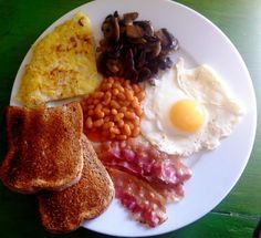 Colazione all'inglese English Food, Brunch, Breakfast, Recipes, Restaurants, Food, Morning Coffee, Recipies, Restaurant