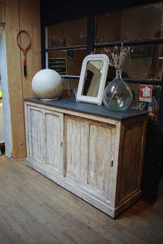 Ancien meuble d'usine en bois par le Marchand d'Oublis