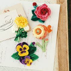 Crochet Flowers ❥ 4U hilariafina http://www.pinterest.com/hilariafina/