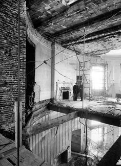 white house oval office~Revealing Historical Photos Show US White House Gutted - during renovation - Washington, D. By Abbie Rowe Best Modern House Design, Home Design, Rare Photos, Photos Du, Vintage Photos, Shorpy Historical Photos, Historical Pictures, Us White House, Blue Rooms