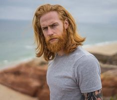 Barber Tells This 'Shy' Insurance Man To Grow A Beard, And It Ends Up Transforming His Life | Bored Panda