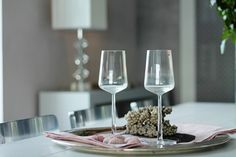 Drama's dining table at Maailmanpylväs.
