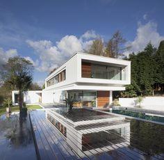 Chalé White / DyerGrimes Architects