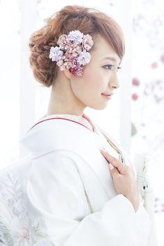 white shiromuku kimono