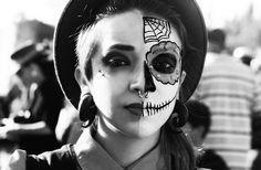 Marieke at Dia de los Muerte (by P.S.Zollo)