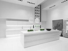 Wonenonline: Met de stroom meegaan – Spectaculair keukenontwerp in DuPontTM Corian®️️ door Karim Rashid voor Duitse keukenfabrikant 'Rational'