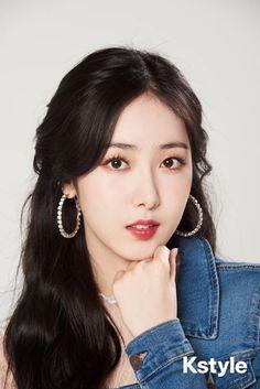 in KStyle Interview 190315 Gfriend And Bts, Sinb Gfriend, Kpop Girl Groups, Korean Girl Groups, Kpop Girls, Gfriend Album, Cloud Dancer, Fan Picture, G Friend