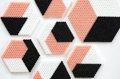 Coasters in iron beads – Bügelperlenspass – Hama Beads Perler Bead Designs, Easy Perler Bead Patterns, Melty Bead Patterns, Hama Beads Design, Perler Bead Templates, Diy Perler Beads, Perler Bead Art, Pearler Beads, Beading Patterns