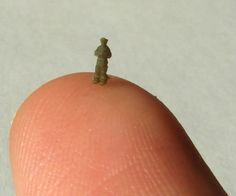 Pushing the 3D Printer to the Limit: Zealot Prints Amazing 3mm Tall Miniatures http://3dprint.com/10913/3d-printed-miniatures/