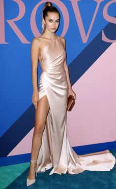 silky satin trend on the red carpet