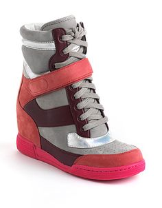 We love this 80's-chic style sneaker! #lordandtaylor
