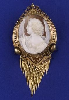Victorian Shell Cameo Pendant Brooch | Sale Number 2161, Lot Number 113 | Skinner Auctioneers