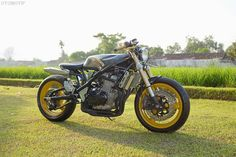 Suzuki Bandit GSF400 Cafe Racer by Muhammad Robbi #motorcycles #caferacer #motos | caferacerpasion.com