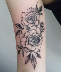 Black and grey rose arm tattoo Latest Tattoos, Up Tattoos, Future Tattoos, Body Art Tattoos, Small Tattoos, Sleeve Tattoos, Tatoos, Tattoos Skull, Flower Tattoo Designs