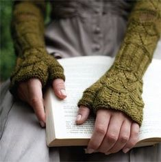 "kensington mitts from ""jane austen knits"""