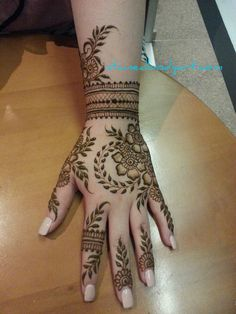 stained_bodyart Leg Henna Designs, Indian Henna Designs, Finger Henna Designs, Stylish Mehndi Designs, Mehndi Designs For Girls, Unique Mehndi Designs, Wedding Mehndi Designs, Mehndi Designs For Fingers, Beautiful Henna Designs