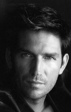 Jim Caviezel - extremely handsome and dashing                                                                                                                                                      Mehr